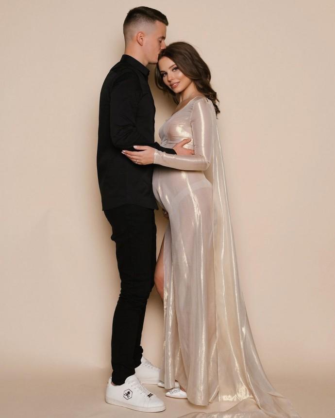 Арсений Шульгин признался, что его жена беременна
