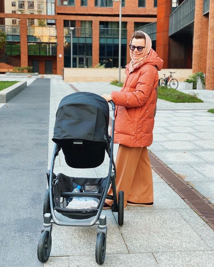 Татьяну Брухунову раскритиковали за использование ходунков для сына