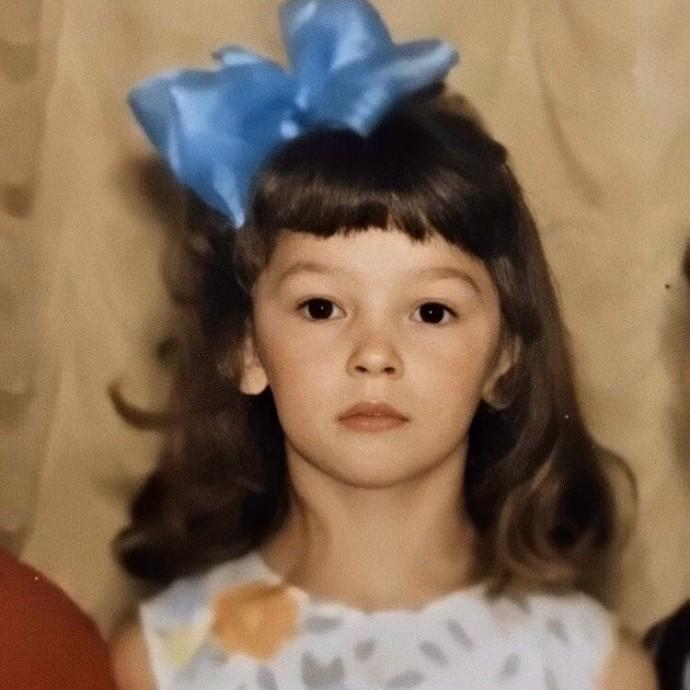 Поклонники удивлены тем, как Настя Ивлеева выглядела в детстве
