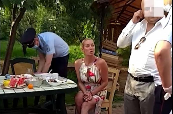 Анастасия Волочкова удивила подписчиков содержимым своего холодильника