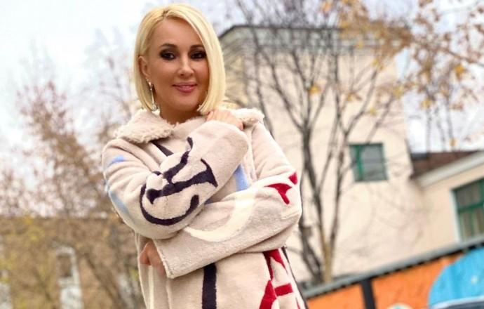"""""""Развели, как дурочку"""": Настасья Самбурская вернула Лере Кудрявцевой 30 тысяч рублей"""