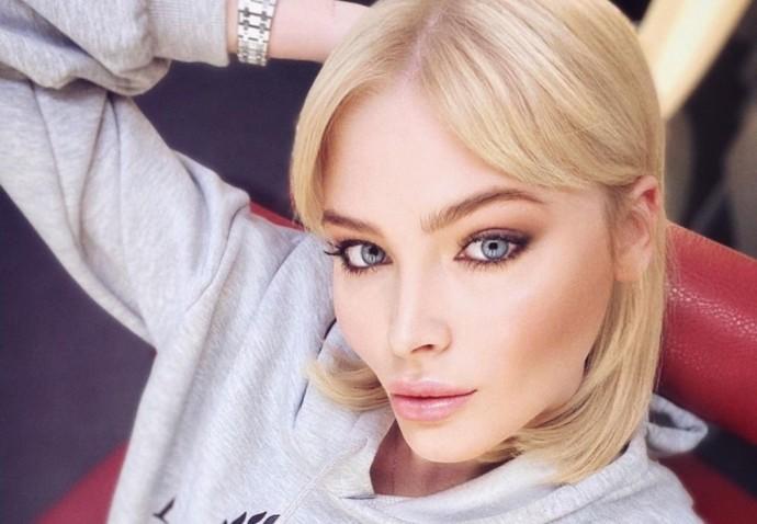 Рейтинг дня: Алёна Шишкова примерила наряд с Али Экспресс
