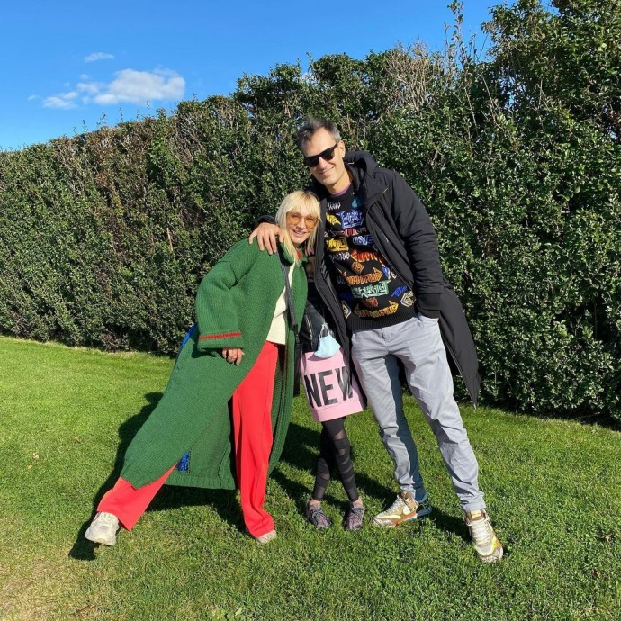 На фоне слухов о разводе с мужем, Кристина Орбакайе поделилась семейным фото