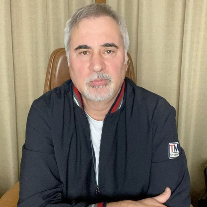 Валерий Меладзе выразил желание выступить перед коронавирусными больными