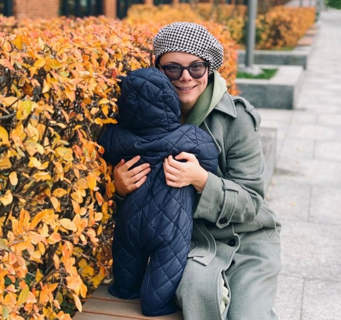 Татьяна Брухунова воспитывает ребенка в строгости