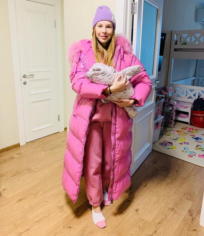 Наталья Подольская срочно покинула вечеринку из-за младенца