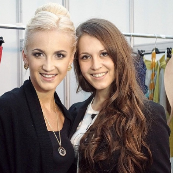 """""""Я не могла в это поверить..."""": Ольга Бузова прокомментировала новость об инсульте сестры"""