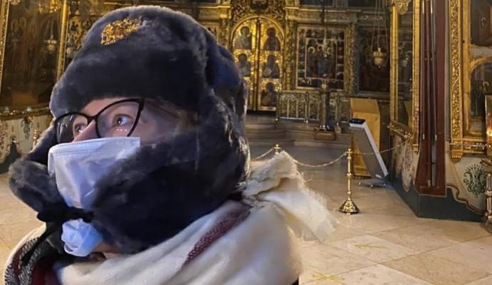 Ксения Собчак устроила скандал из-за плохого туалета в Троице-Сергиевской лавре