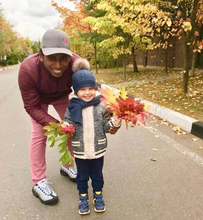 Ксения Собчак хочет отдать сына в школу стоимость 3 миллиона рублей в год