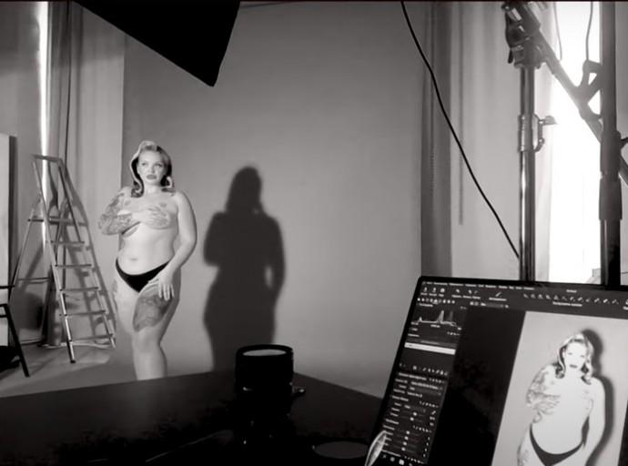 Уйдя с проекта «Пацанки», пышнотелая Наталья Гончарова сделала фотосессию полностью обнаженной
