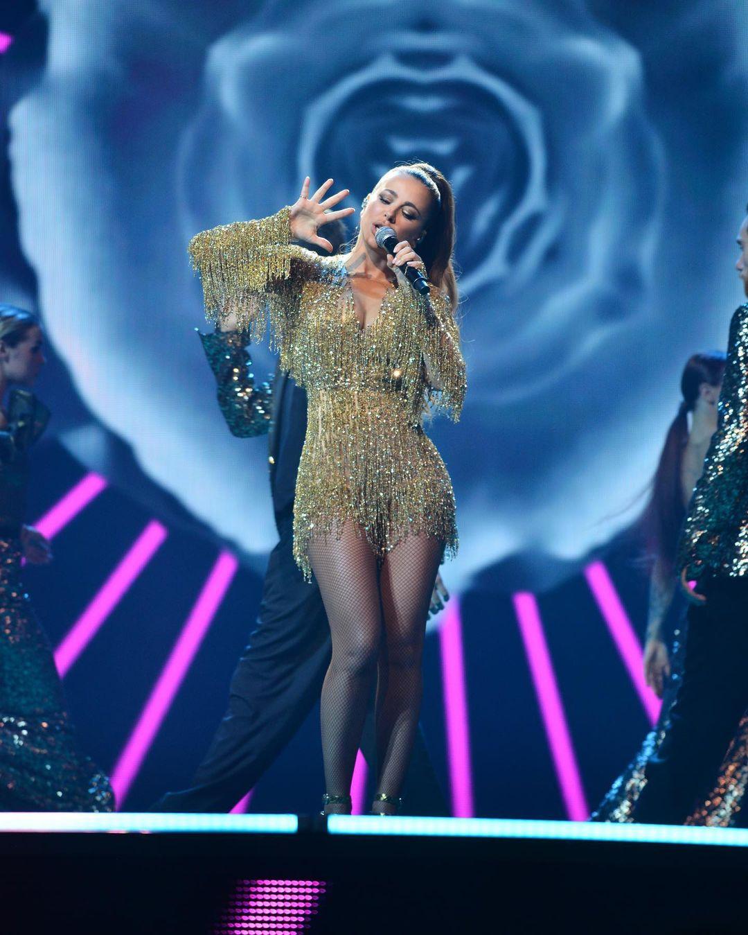 """Ани Лорак и Полина Гагарина оконфузились в одинаковых нарядах на """"Золотом граммофоне"""""""