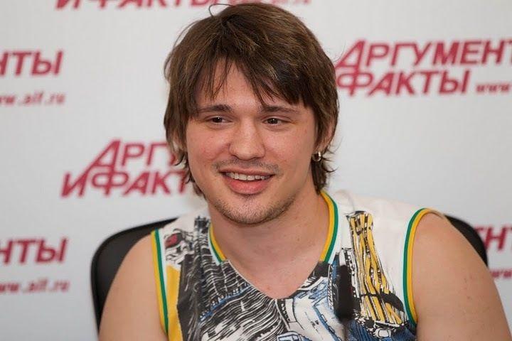 Экс-любовница певца Алексея Кабанова вымогала у него 2 миллиона рублей