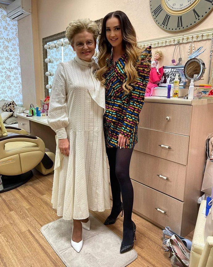 Olga Buzova showed her new big breasts