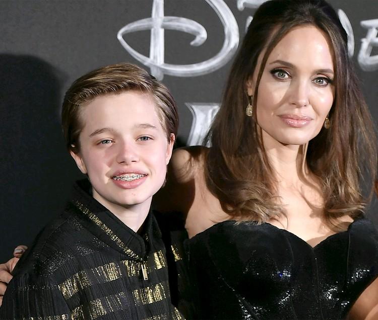Дочка Анджелины Джоли и Бреда Питта передумала становиться мальчиком