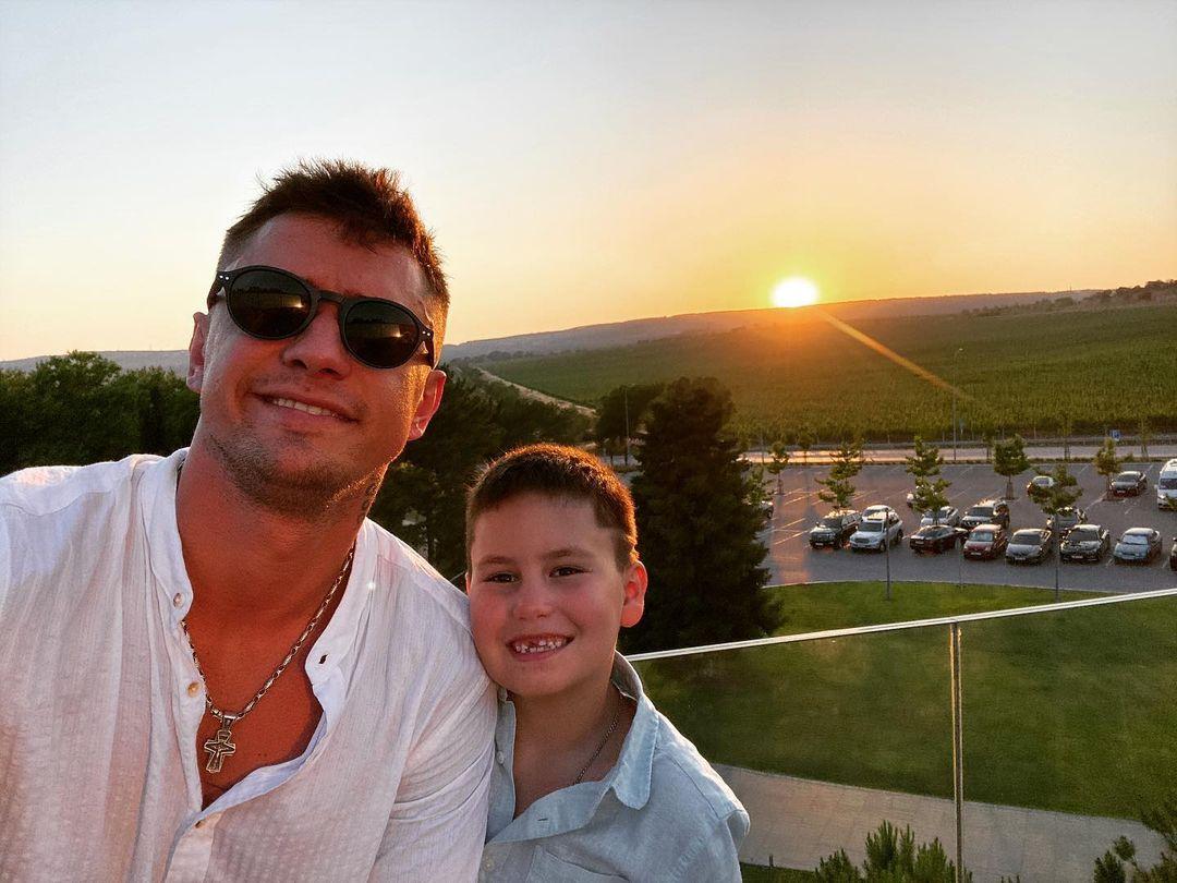 Павел Прилучный опубликовал трогательный снимок сына