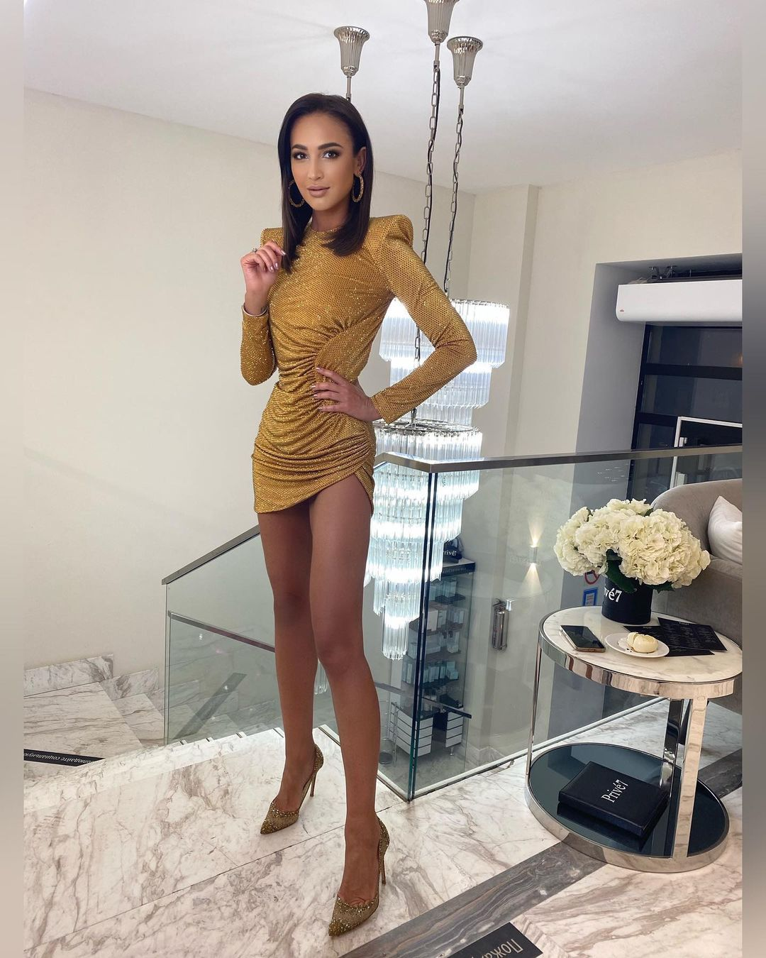 Рейтинг дня: Ольга Бузова отметила день рождения в платье, как у жены Дмитрия Тарасова