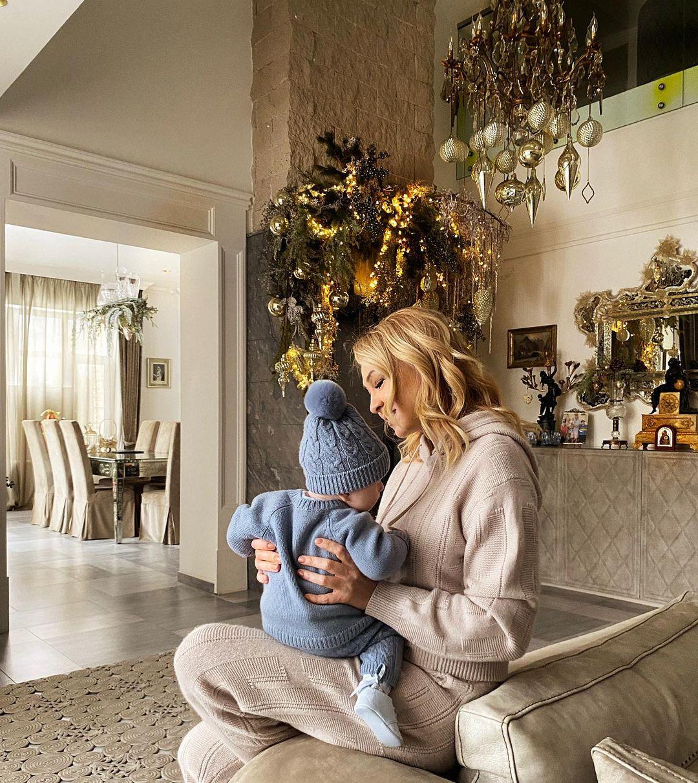 Сын Яны Рудковской передал по наследству младшему брату свой гномий колпак