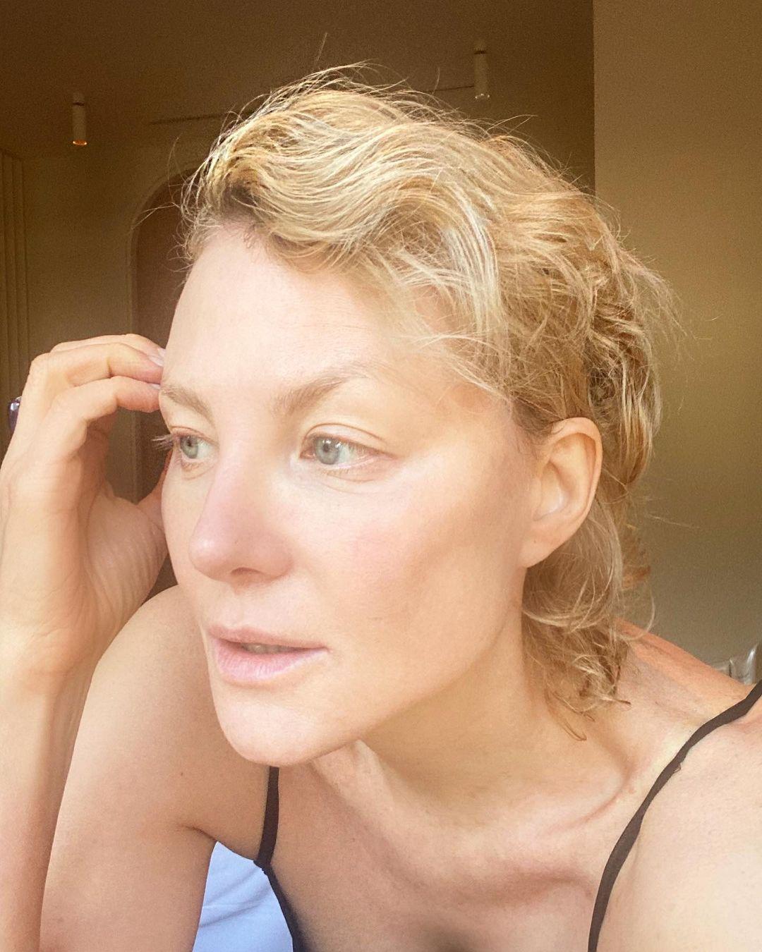 """""""Неземная!"""": Рената Литвинова показала, как выглядит без макияжа"""