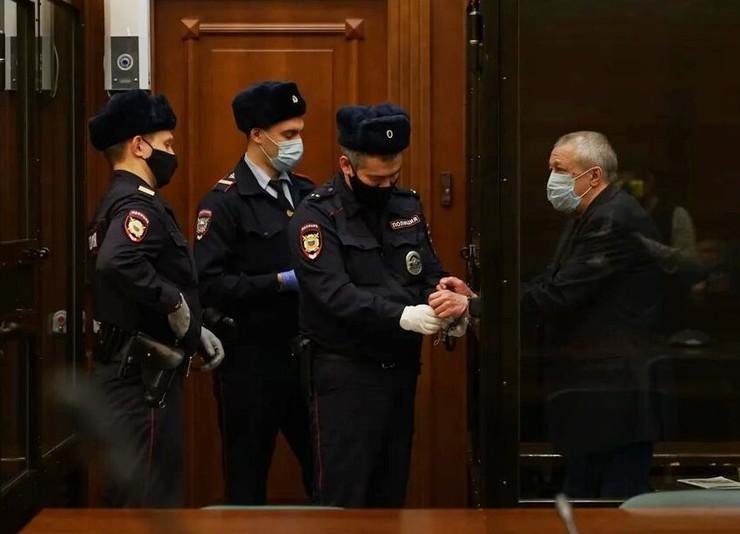 Михаил Ефремов может получить еще два года тюрьмы