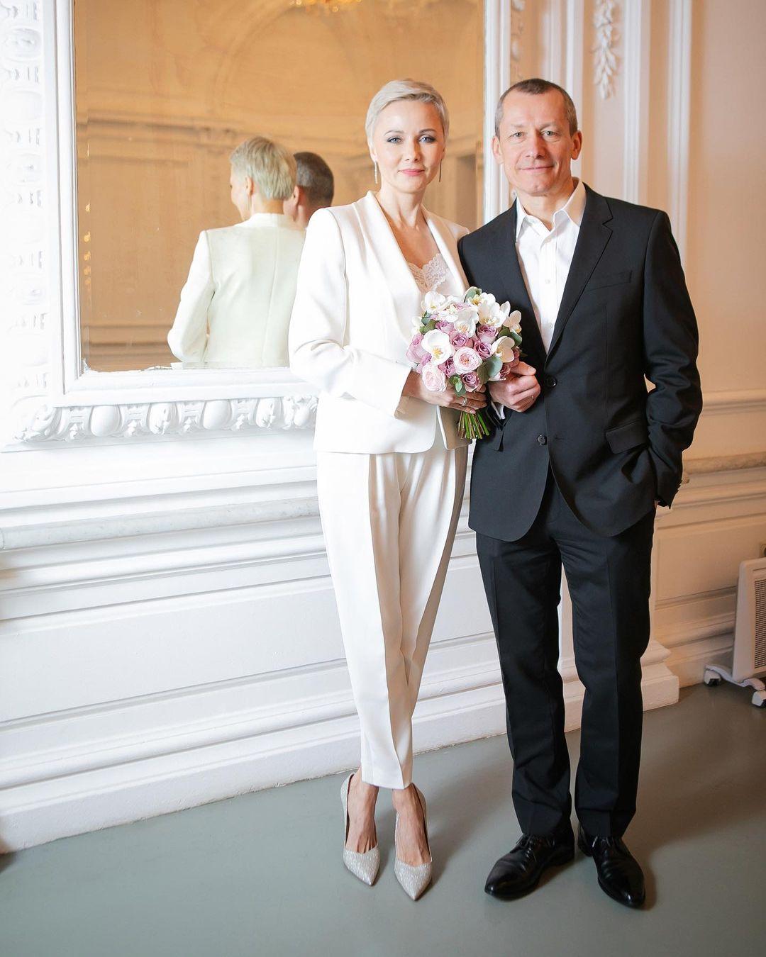 48-летняя Дарья Повереннова вышла замуж за вдовца-миллионера