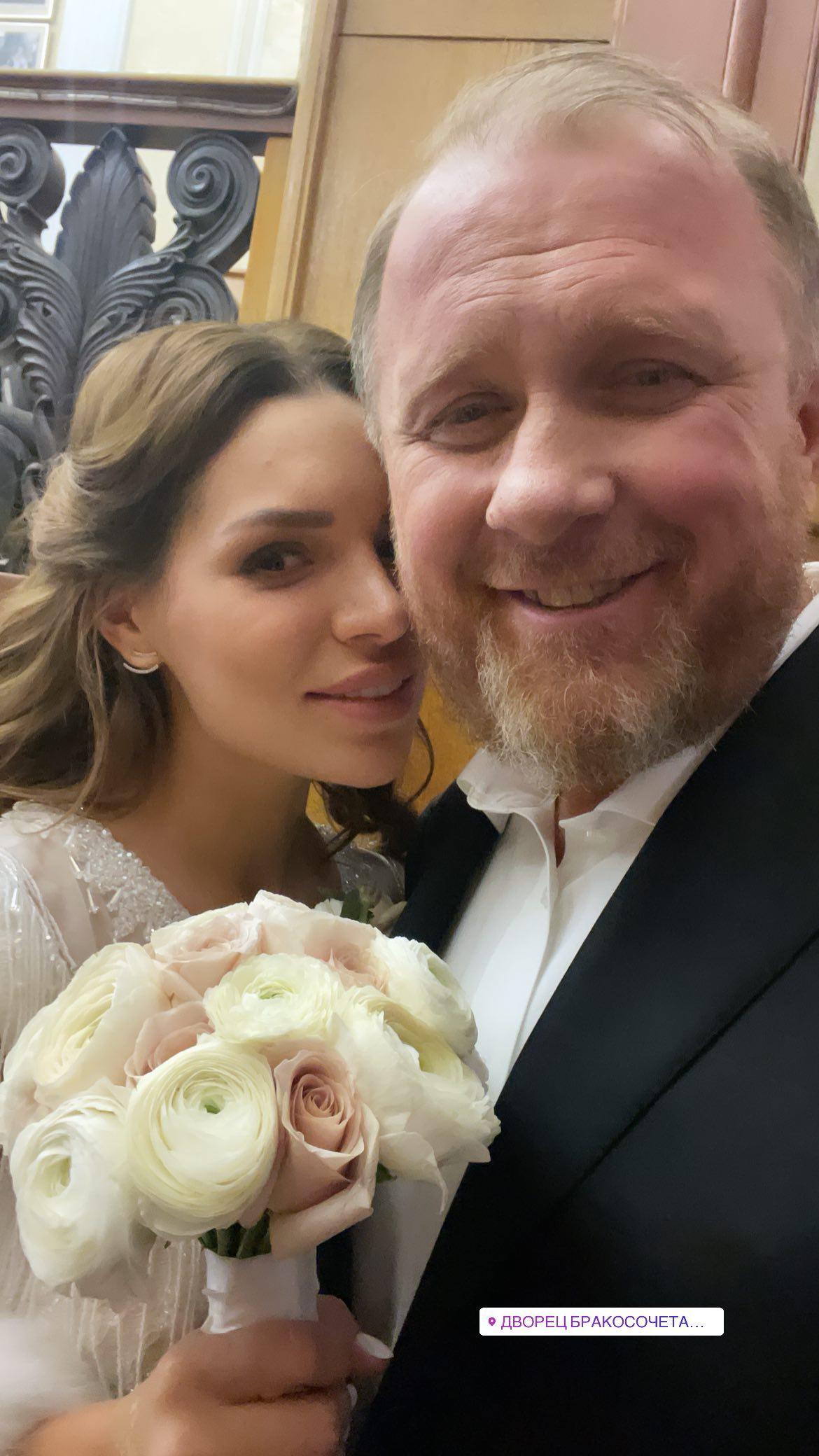 """Легко любить богатого"": Константин Ивлев женился на молодой любовнице"
