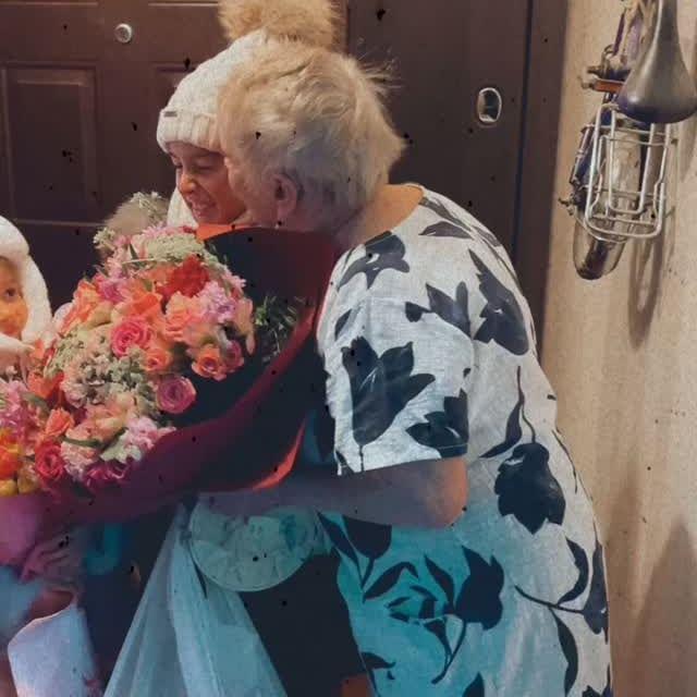 Ксения Бородина с детьми трогательно поздравила бабушку с днем рождения