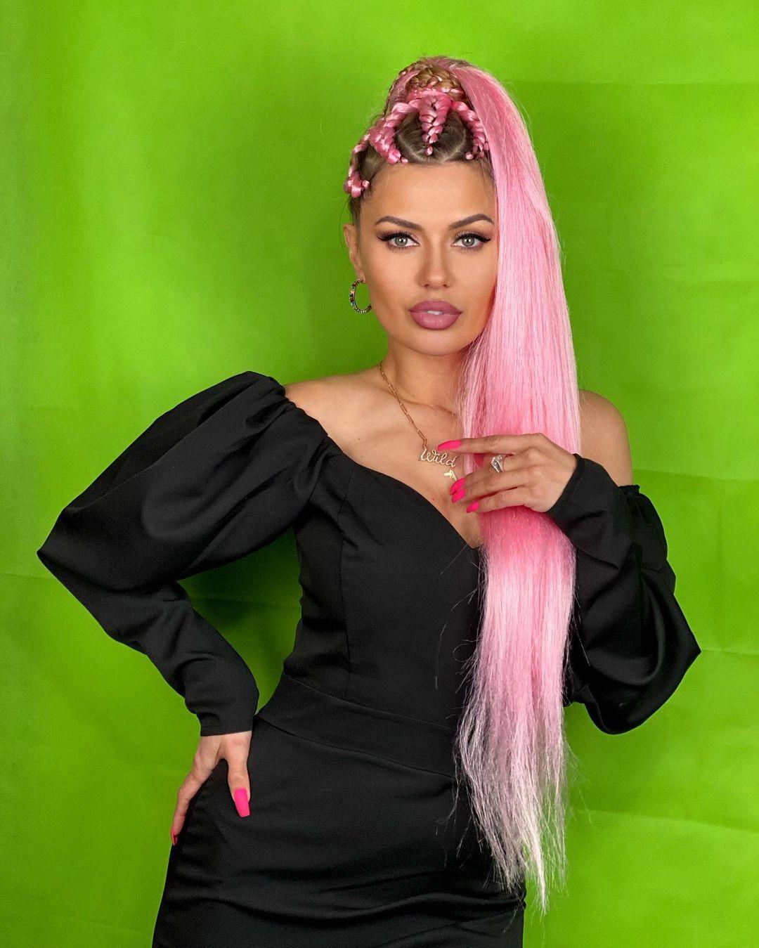 """""""Безвкусица!"""": Викторию Боню раскритиковали за розовые волосы"""