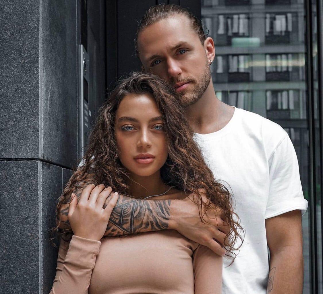 Vlad Sokolovsky broke up with Angelina Surkova and got caught flirting with Danila Poperechny's girlfriend