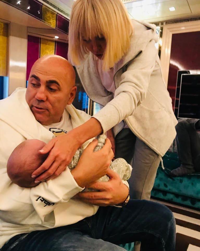 """""""Это правильно!"""": певица Валерия рада тому, что за помощью ее сын обращается к тёще"""