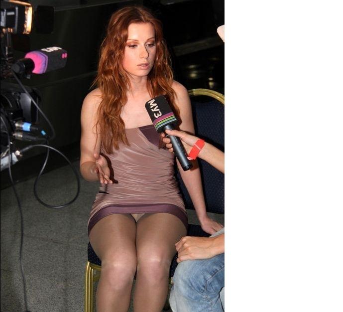 Юлия Савичева осудила обнажение артистов ради популярности, но и сама грешит эротикой: ТОП горячих фото певицы