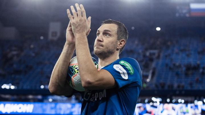 Артём Дзюба вернулся на пост капитана сборной после скандала с публикацией интимного видео