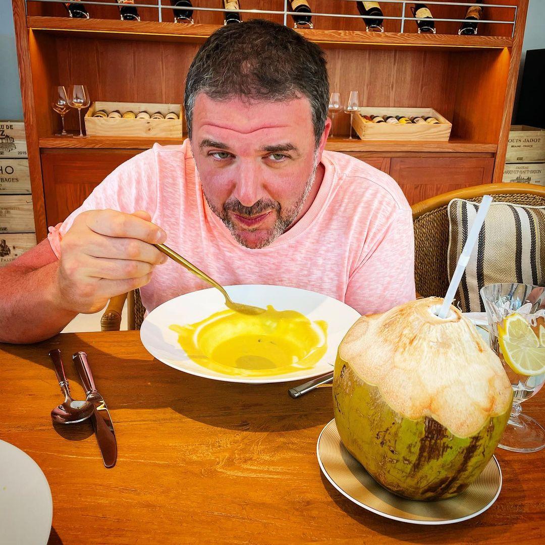 Максим Виторган признался, что любит еду больше, чем людей