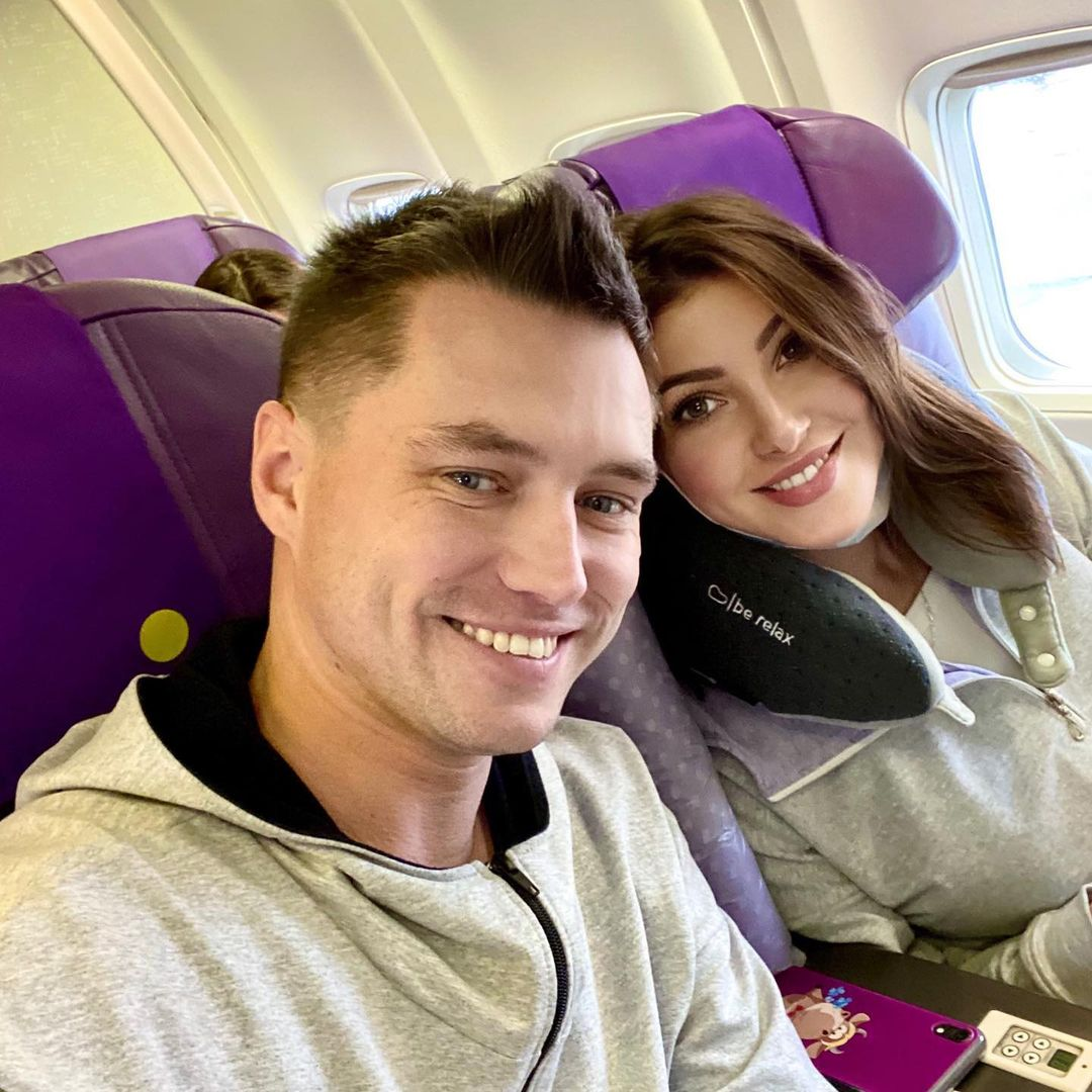 Женатый бойфренд Анастасии Макеевой рассказал, чем сейчас зарабатывает на жизнь