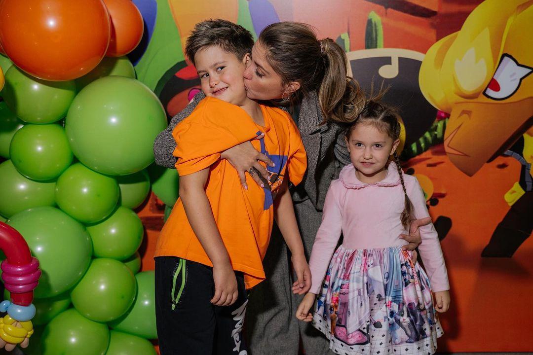 """""""Уже давно их не видела"""": Агата Муцениеце призналась, что ей некогда общаться со своими детьми"""