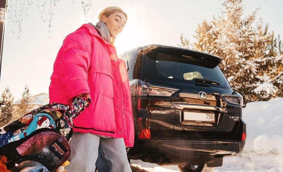 Настю Ивлееву задержали ДПС за отсутствие водительских прав