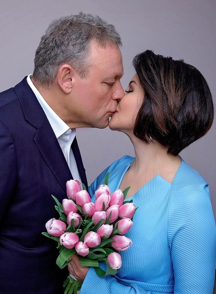 Появились фото с тайной свадьбы Сергея Жигунова