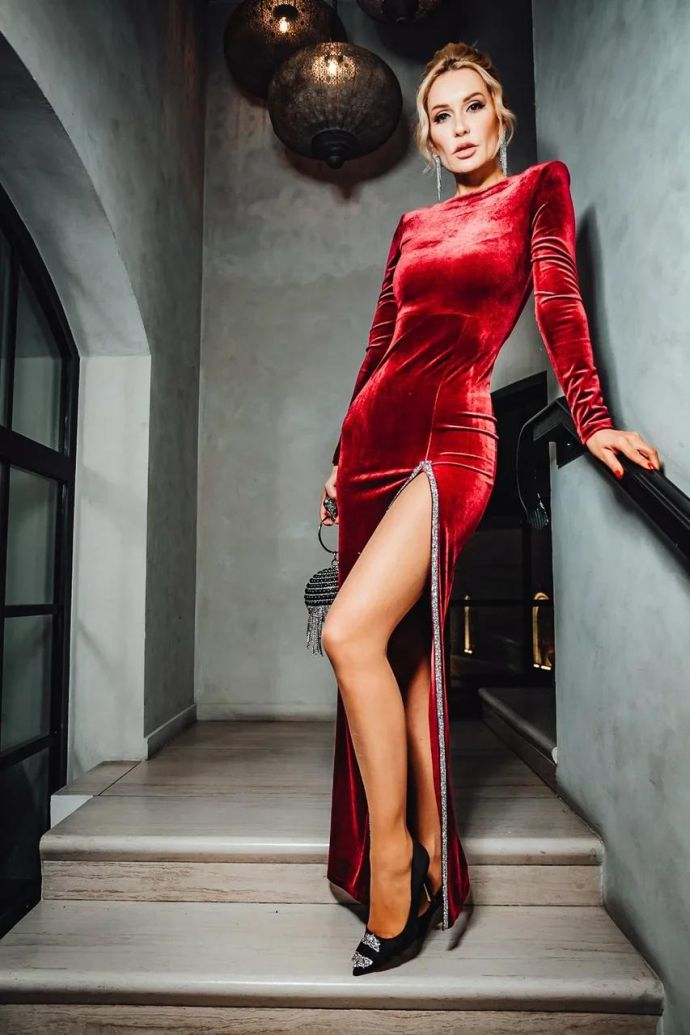 Tasha Belaya charmed the appearance of the guests of the social event
