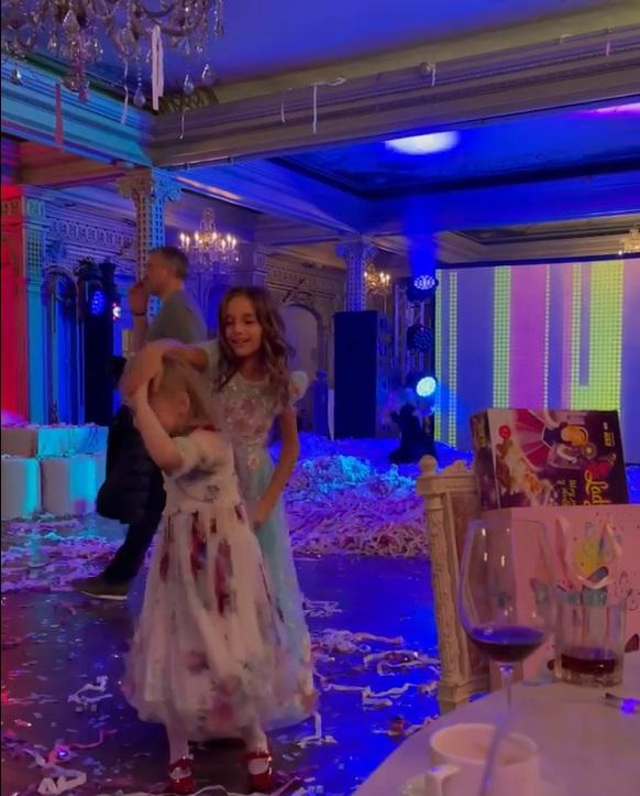 Алла Пугачева зажгла на вечеринке под песни NILETTO и Little Big
