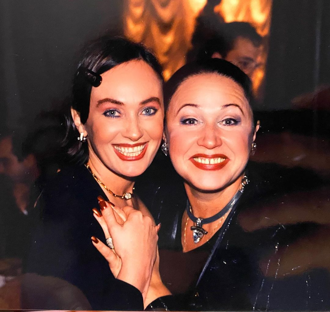 Larisa Guzeeva showed an archive photo with Babkina before plastics