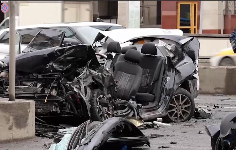 Первоапрельские шуточки пранкера Эдварда Билла закончились жуткой аварией в центре Москвы