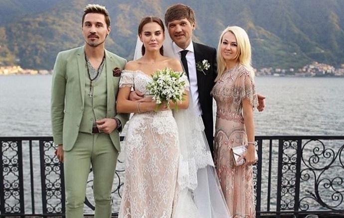 Модель и жену ТОП-менеджера «Газпром-медиа» Дарью Клюкину заподозрили в беременности