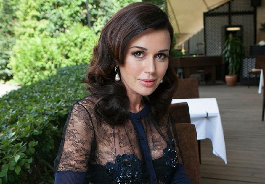Наталья Бондарчук отказалась поздравить Анастасию Заворотнюк с днем рождения