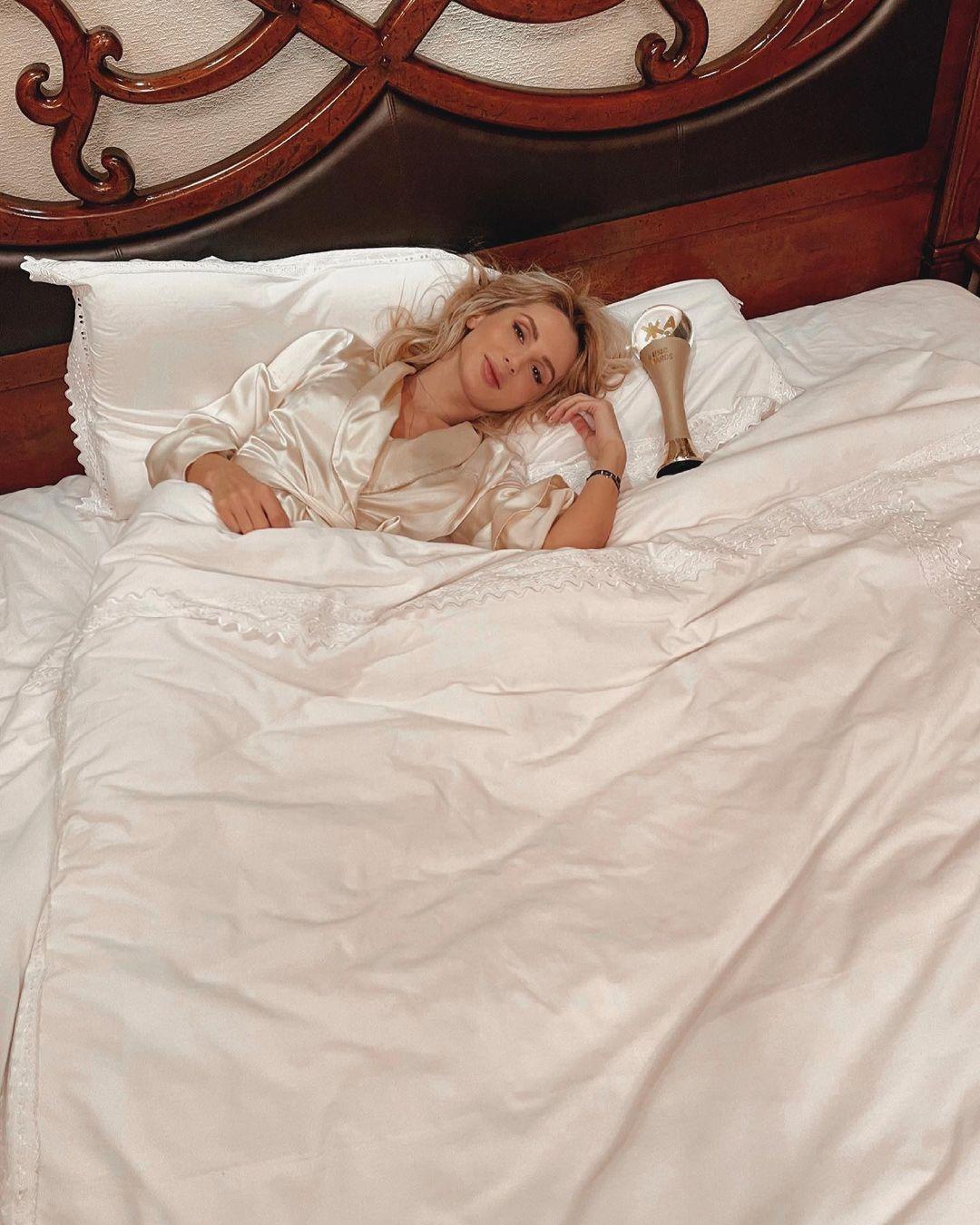 Светлана Лобода получила премию, лёжа в постели