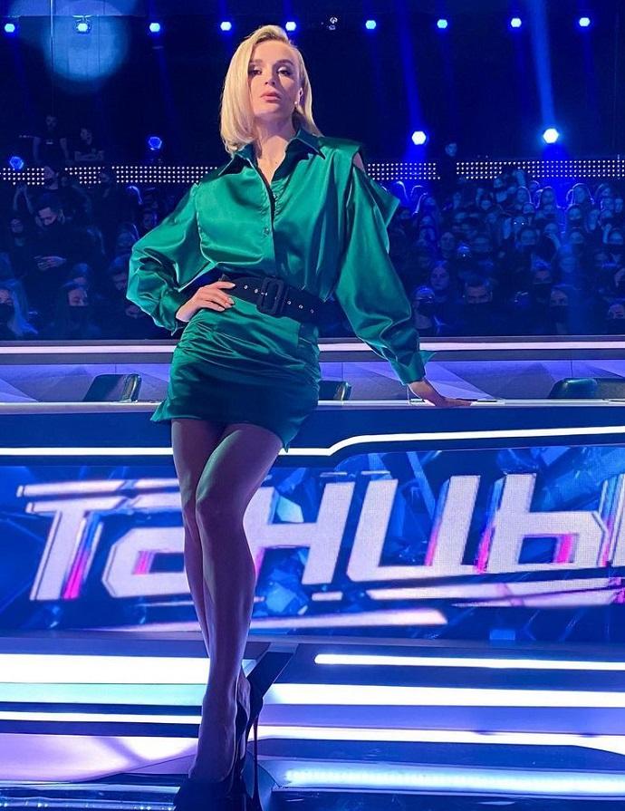 """Рейтинг дня: Полина Гагарина показала длинные ноги в мини на съёмках проекта """"Танцы"""""""