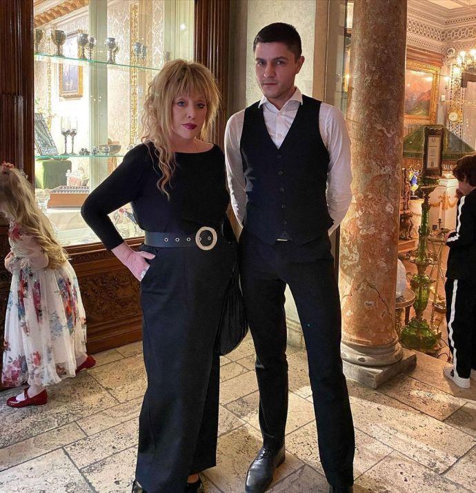 На встречу с Zivert певица Алла Пугачёва надела свой любимый ремень