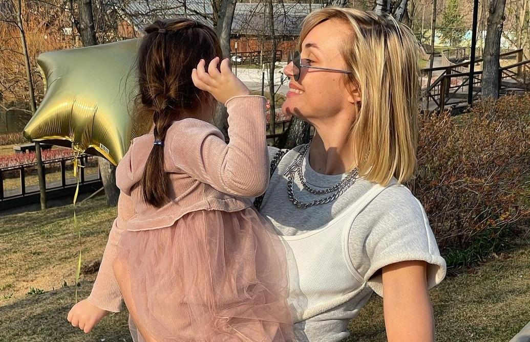 Полина Гагарина воссоединилась с бывшим ради общей дочери