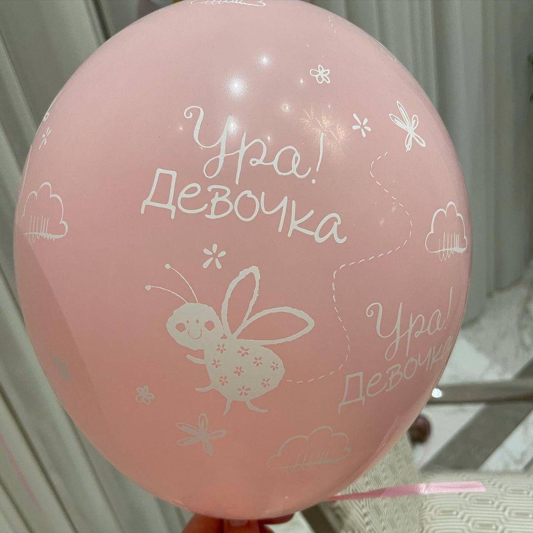 Альбина Джанабаева показала первый снимок новорождённой дочери