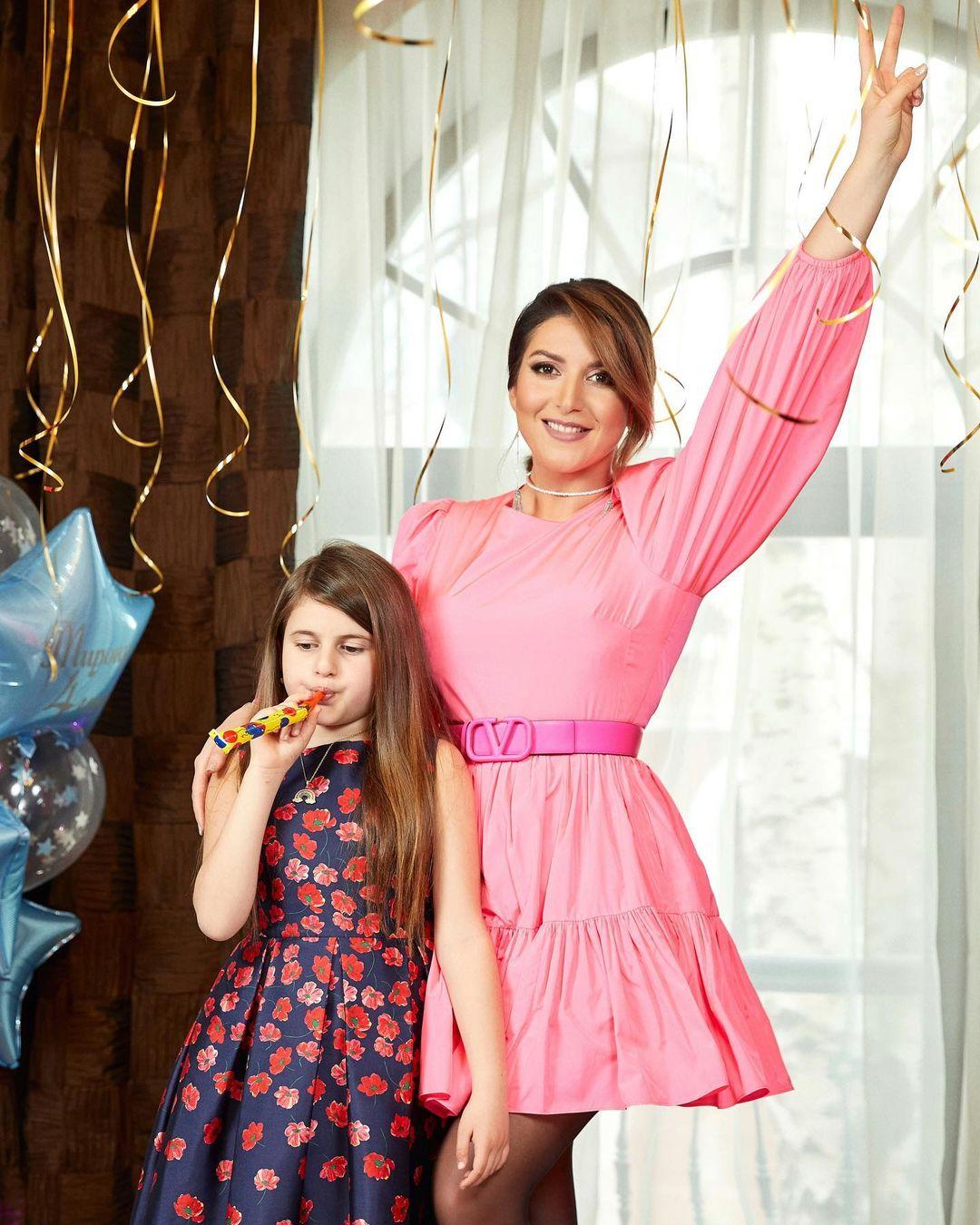 Дочка Жасмин дебютировала на модном показе