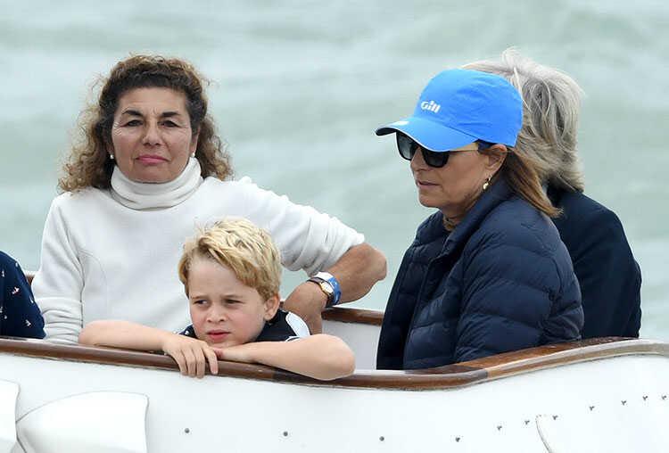«Копать землю - развлечение в любом возрасте»: мама Кейт Миддлтон поделилась, чему учит королевских детей
