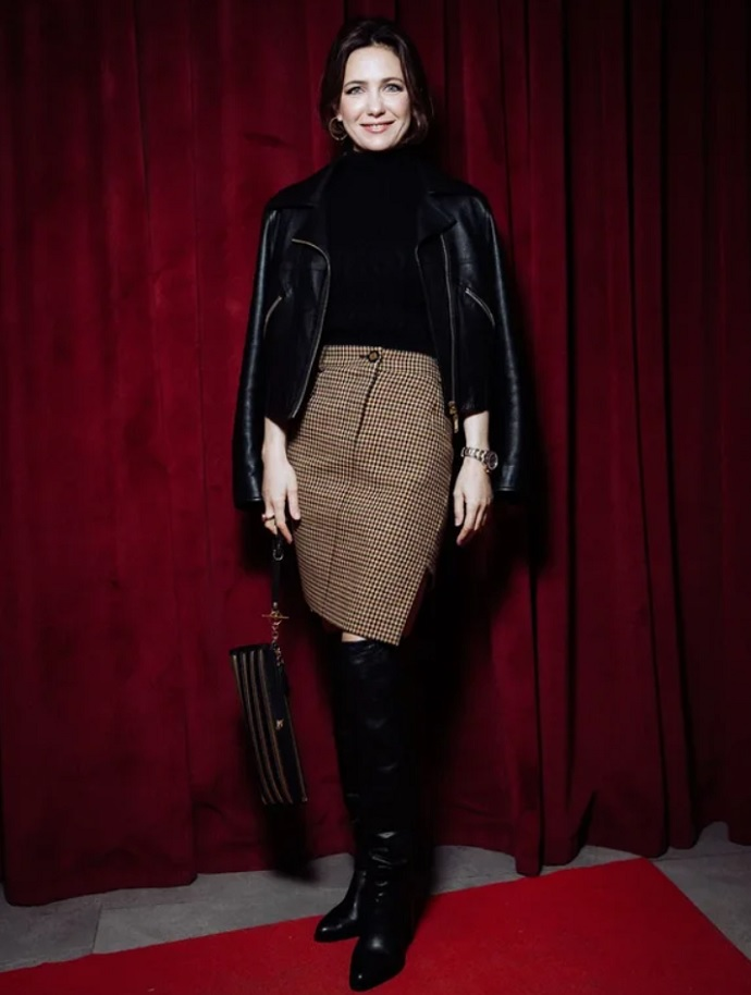 Rating of the day: Ekaterina Klimova in a leather jacket and high boots appeared at the premiere of the film